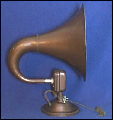 The Bristol Senior horn speaker