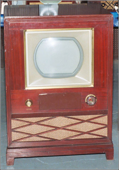 RCA's first color TV, the Model CT-1
