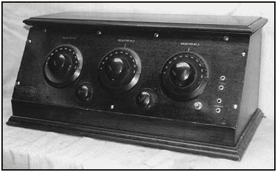 A front view of the 5-tube Chelsea Super-Five
