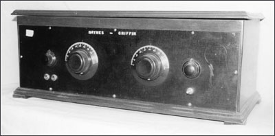 front panel of the Haynes-griffin Superhet