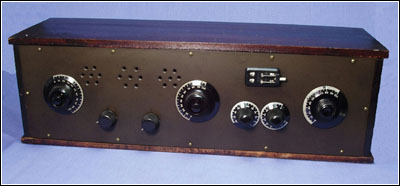 A front view of Robert Lozier's super-regenerative receiver
