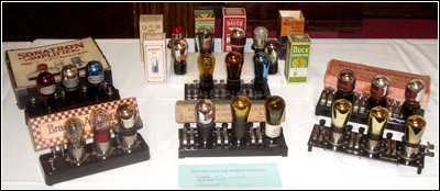 display of 3-tube, resistance coupled, audio amplifiers from 1925 and 1926 in the old equipment contest